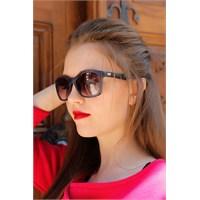 Morvizyon Yeni Sezon Clariss Marka Füme Rengi Çerçeve Tasarımlı Bayan Güneş Gözlük Modeli