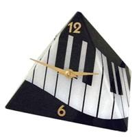 Piyano Tuşeli Piramit Masa Saati