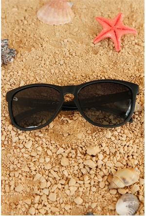 Morvizyon Clariss Marka Siyah Mat Çerçeve Tasarımlı Unisex Güneş Gözlük Modeli