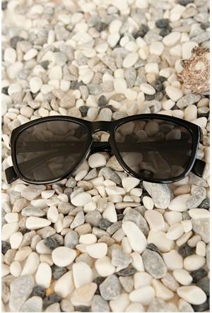 Morvizyon Clariss Marka Siyah Çerçeve Ve Cam Tasarımlı Bayan Güneş Gözlük Modeli