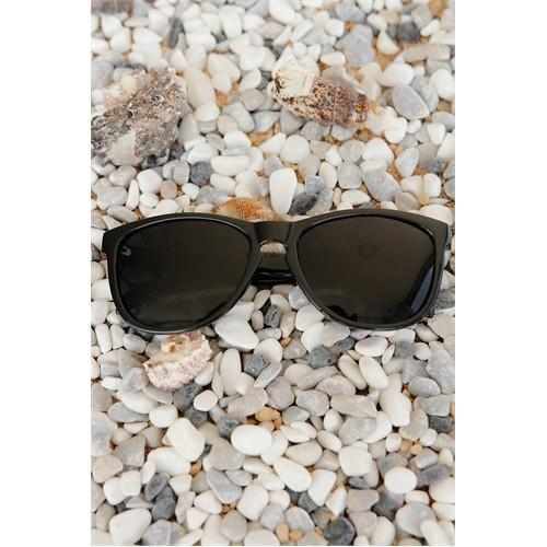 Morvizyon Clariss Marka Siyah Çerçeve Ve Cam Tasarımlı Unisex Güneş Gözlük Modeli