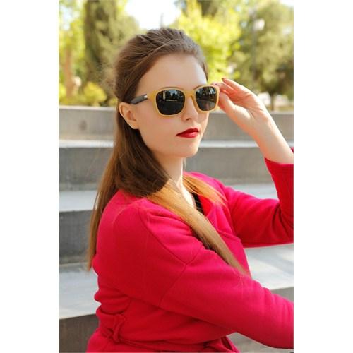 Morvizyon Clariss Marka Sarı Renk Geniş Çerçeve Tasarımlı Bayan Güneş Gözlük Modeli
