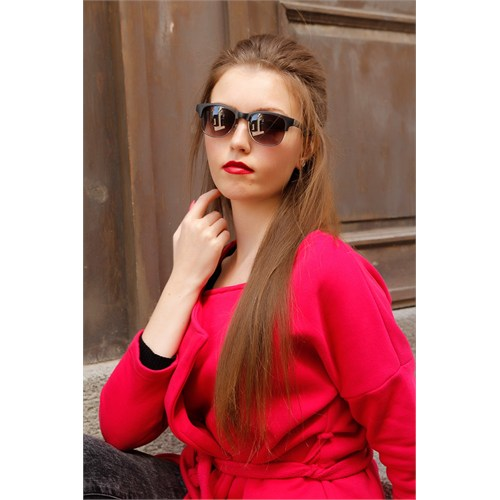 Morvizyon Clariss Marka Füme Rengi Çerçeve Tasarımlı Bayan Güneş Gözlük Modeli