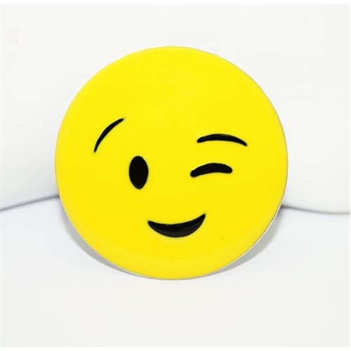 Cadının Dükkanı Göz Kırpan Flörtöz Emoji Rozet